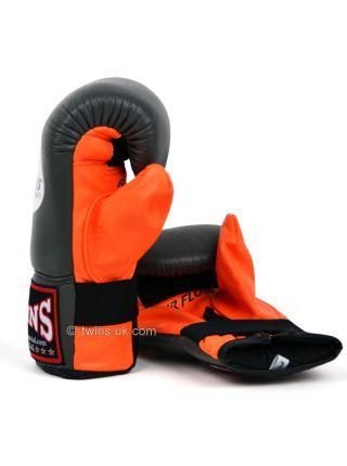 Снарядные боксерские перчатки Twins Air Flow Bag TBGL-6F серо-оранжевые