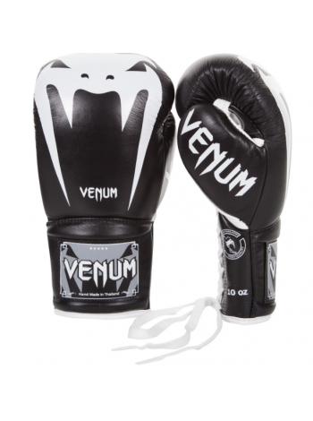 Боксерские перчатки на шнуровке VENUM GIANT 3.0 черные