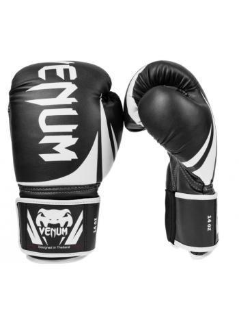 Боксерские перчатки VENUM CHALLENGER 2.0 черно-белые