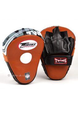 Лапы для бокса TWINS коричневые PML-10