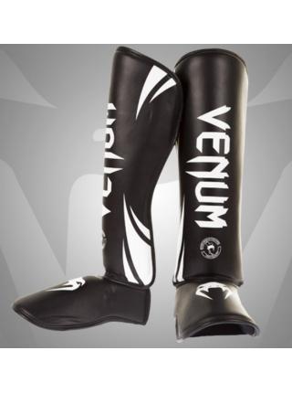 Защита голени и стопы VENUM CHALLENGER STANDUP черно-белая