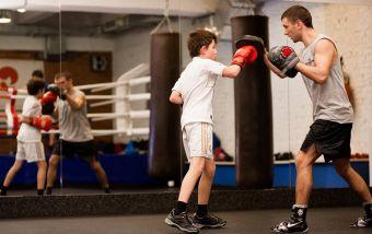 Выбираем боксерские перчатки для ребенка